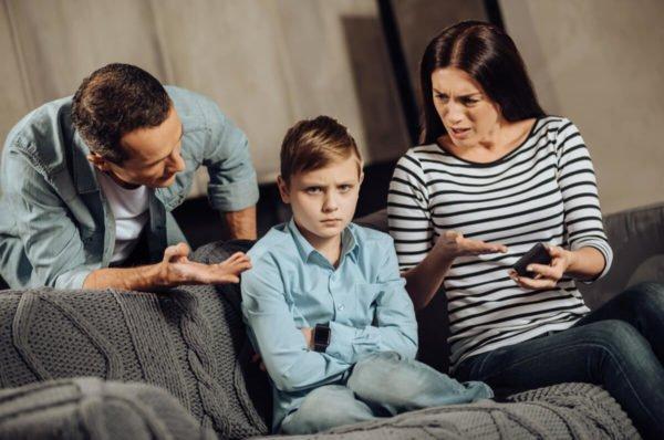 Sobreprotección de niños genera ansiedad y problemas de conducta