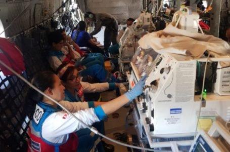 trasladan a Lima a cuatro neonatos y un bebé de siete meses para atención especializada