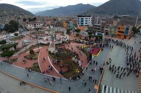 Habilitan renovada plaza de Paucarbamba