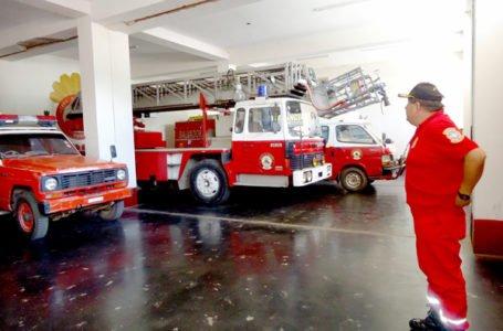 Intendencia elaborará proyectos para mejorar compañías de bomberos