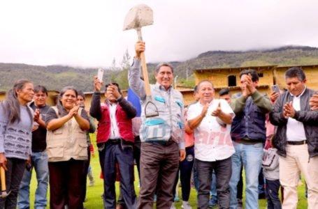 JEE inicia proceso a gobernador por alzar la pala en inicio de obras