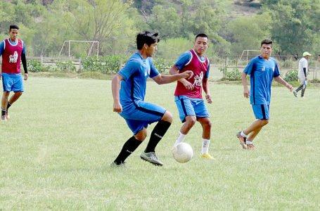 En campo deportivo de Kotosh