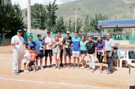 Gran torneo de tenis para definir el ranking local