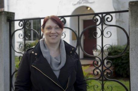 """""""No entre en pánico"""", dice una mujer de EE. UU. que se recuperó del coronavirus"""