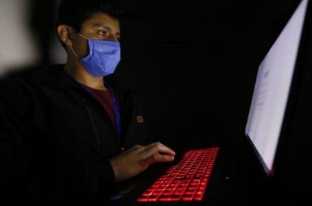¡A cuidarse! uso excesivo de aparatos digitales pueden causar daños en la piel