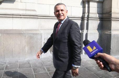 Daniel Urresti critica a bancos que rechazan proyecto para congelar deudas