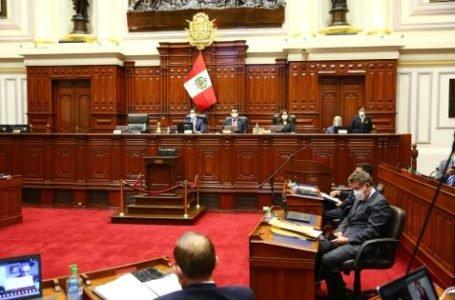Congreso aprueba reconsiderar votación sobre ley que reincorpora a docentes