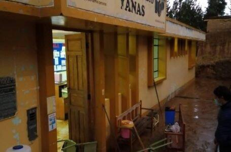 Torrencial lluvia en el distrito de Yanas causó inundación y daño viviendas y posta médica