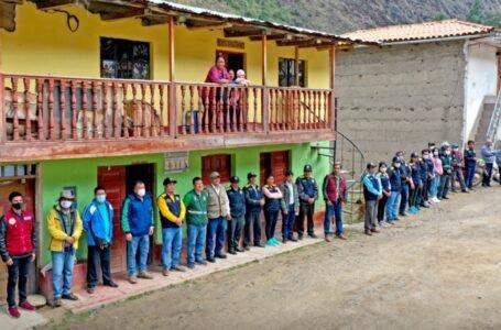 Entregan 400 títulos de predios rurales en el distrito de Pinra