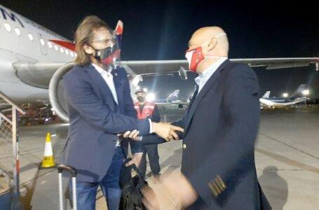 Ya están en Santiago: selección peruana fue recibida por el embajador peruano en Chile