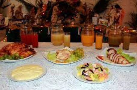 Año Nuevo: qué aconsejan nutricionistas para una cena y brindis saludable