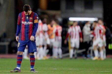 Messi ve la roja por primera vez como jugador del Barcelona