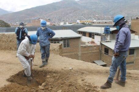 Vecinos exigen cambio de tuberías de agua potable y construcción de muro en Llicua