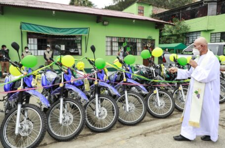 Destinan 16 vehículos para desarrollo de proyectos productivos de cacao, té y granadilla