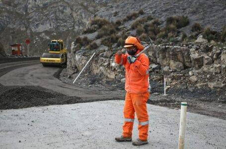 Avanzan construcción del tercer tramo de la carretera Oyón – Ambo