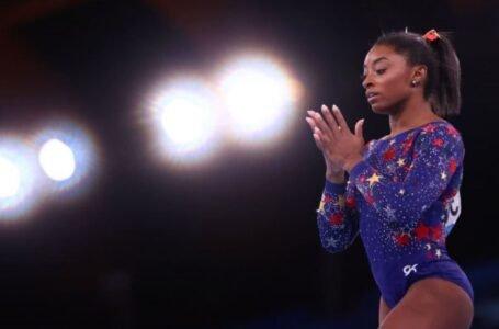 Simone Biles, la estrella del deporte intocable y repentinamente frágil