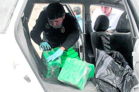 Detienen y encarcelan a esposos y su hijo que trasladaban 24 kilos de cocaína