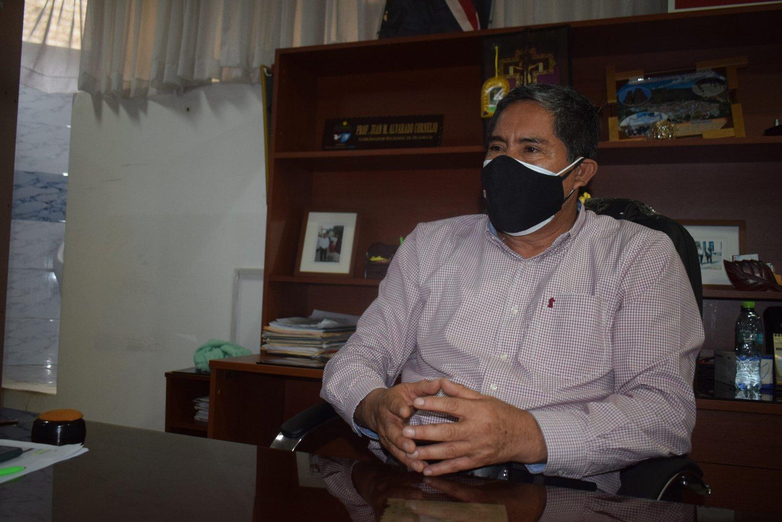 """Juan Alvarado: """"No hay profesionales que quieren asumir cargos por el bajo sueldo"""""""