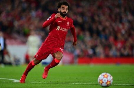 Liverpool golea al Watford y sigue invicto, en gran partido de Salah y Firmino